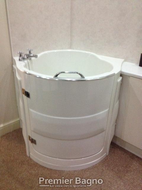 Vasche da bagno con porta vasche da bagno motorizzate - Vasche da bagno piccole con seduta ...